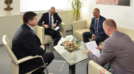 Dean of the Faculty of Medicine met with the Minister of Education