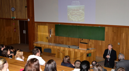 Prominent endocrinologist Karel Pacak lectured at the Faculty of Medicine, UPJŠ